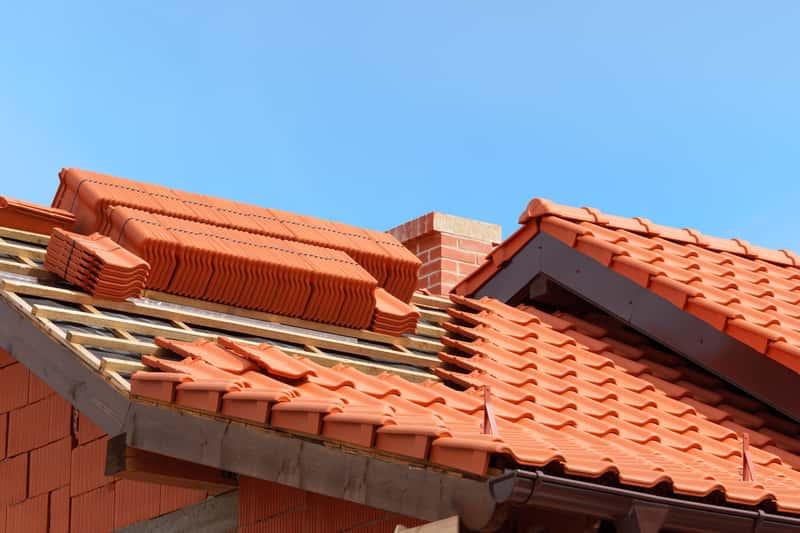 Jak rodzaj dachu wpływa na cenę domu?